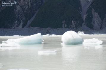 Iceberg at Tasman Glacier