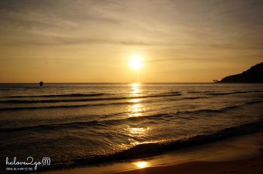den-kor-rong-samloem-ngam-binh-minh-sunset