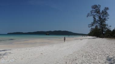 den-kor-rong-samloem-ngam-binh-minh-white-sand