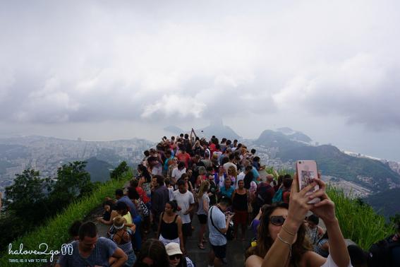 le-hoi-rio-nong-bong-theo-nhip-samba-corcovado-crowd-1