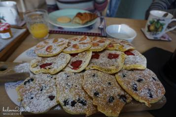 2-tuan-lai-xe-ngoan-muc-xuyen-nuoc-anh-va-scotland-pomaly-house-pancake