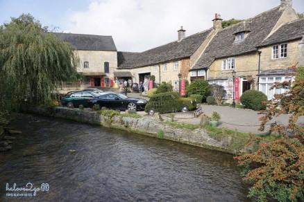 Bourton-on-the-water village
