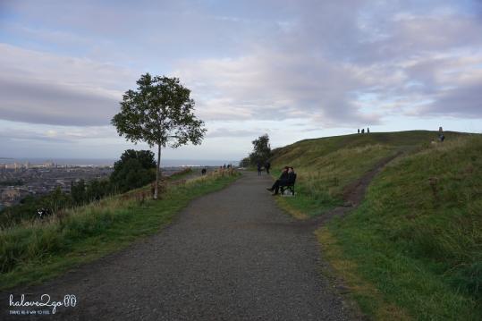 edinburgh-yeu-ngay-cai-nhin-dau-tien-calton-hill-2