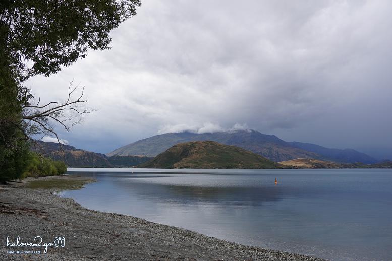 binh-yen-mot-thoang-wanaka-teanau-milfordsound-teanau-lake.png