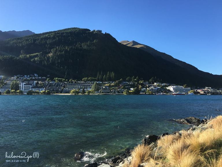 charming-queenstown-lake-wakatipu-2.png