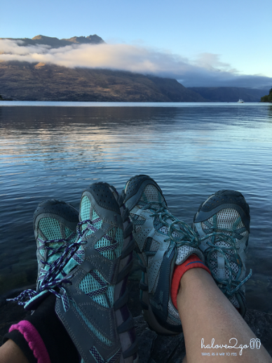 charming-queenstown-lake-wakatipu-running-1