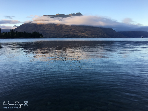 charming-queenstown-lake-wakatipu-running-5