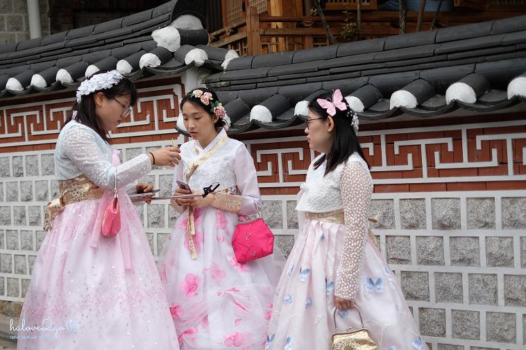 nhung-manh-ghep-doi-lap-cua-seoul-hanbok-2