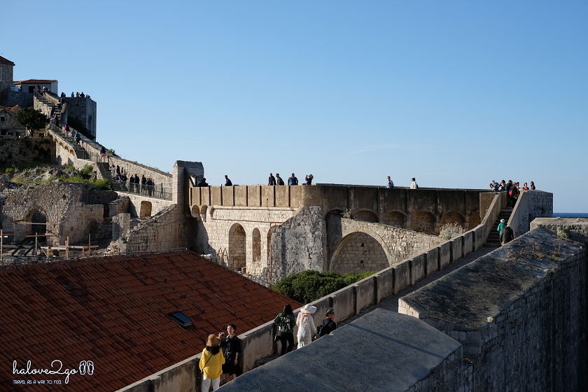croatia-mot-chau-au-khong-kieu-cach-the-wall-in-dubrovnik