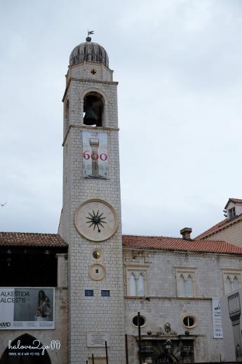 Tháp chuông ở đầu đường Stradun