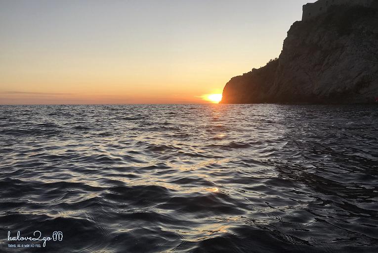 dubrovnik-leo-tuong-thanh-ngam-mai-nha-kayak-sunset-3