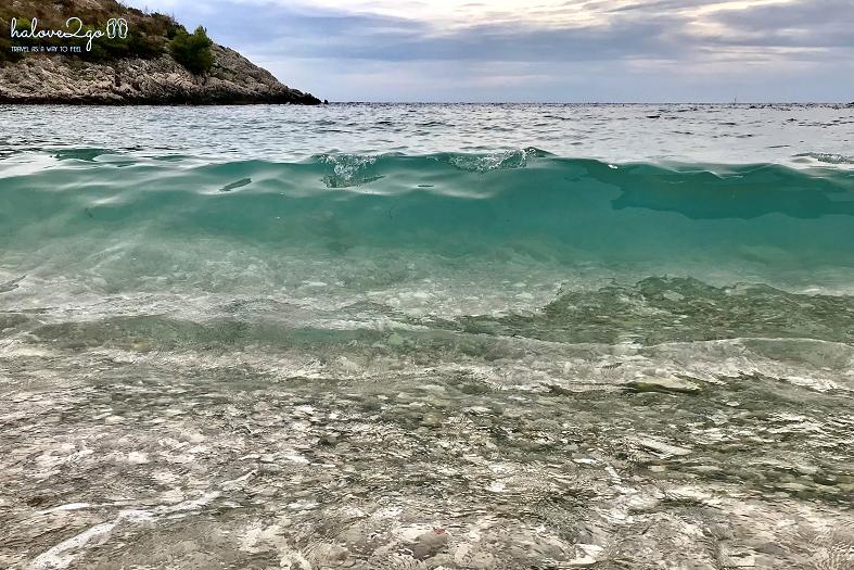 hvar-binh-yen-day-ma-dubovica-beach-4