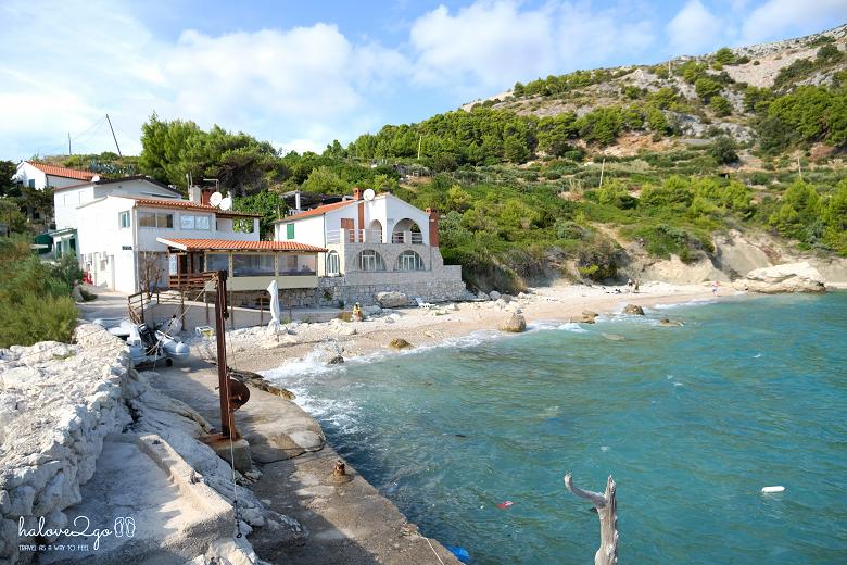 hvar-binh-yen-day-ma-zarace-beach-3