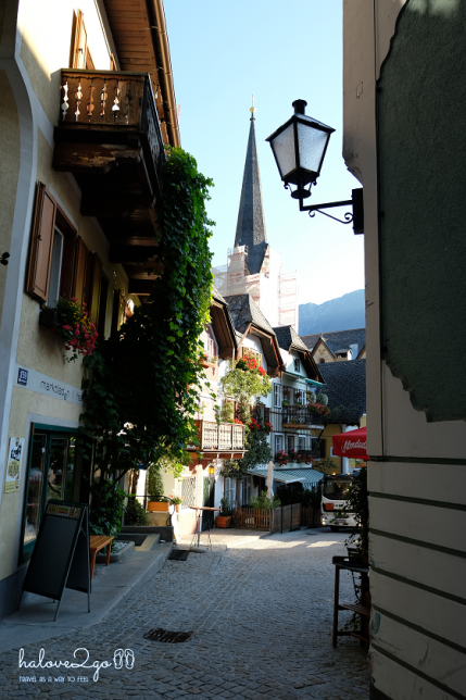 lang-co-hallstatt-mot-nua-nhu-mo-mot-nua-doi-alley-3