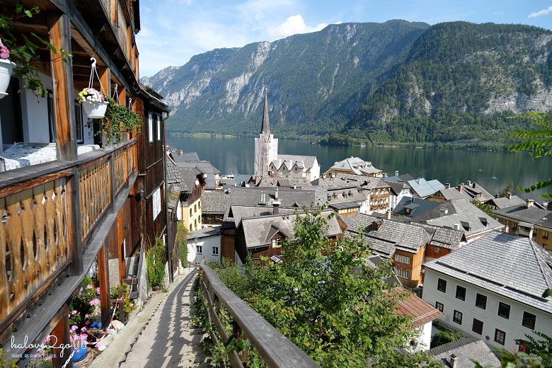 lang-co-hallstatt-mot-nua-nhu-mo-mot-nua-doi-view-from-hill-2