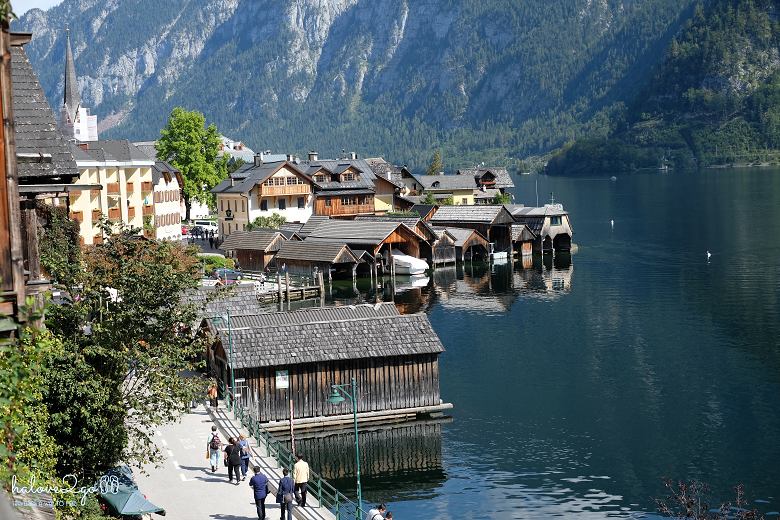 lang-co-hallstatt-mot-nua-nhu-mo-mot-nua-doi-view-from-hill