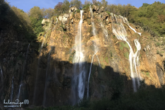 plitvice-bieng-biec-mien-lam-xanh-waterfall-Veliki-Slap