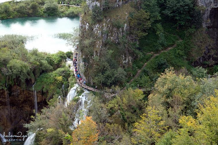 plitvice-bieng-biec-mien-lam-xanh-stairway
