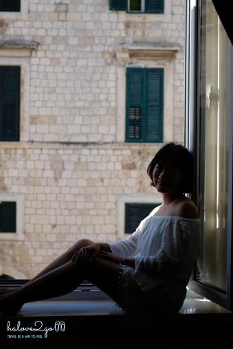 Cửa sổ phòng ở Dubrovnik